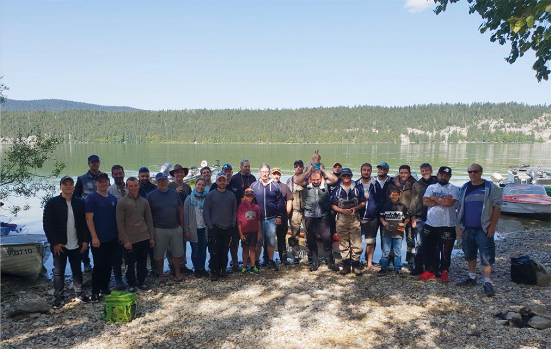 Une ambiance d'été indien au lac de Joux pour la rencontre des pêcheurs sportifs de La Vallée